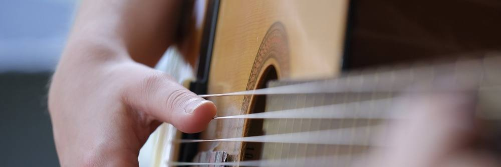 What to look for in acoustic guitars under 500 dollars.