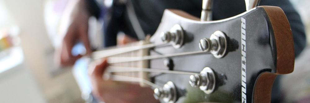 Image of Bass Guitar for the Bass Guitars Under $500 Article.